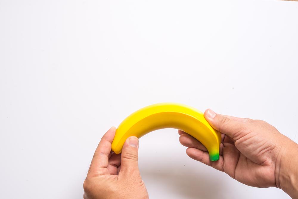 miért az ívelt pénisz