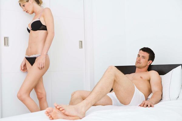 a spontán erekció hiánya