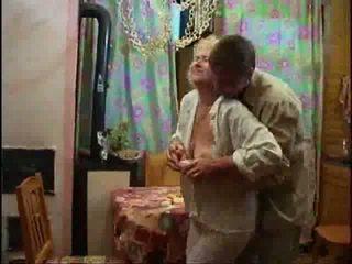 Nagy mellbimbók mature pornó, mature baszik 2 fekete kakas! Tini szex videó