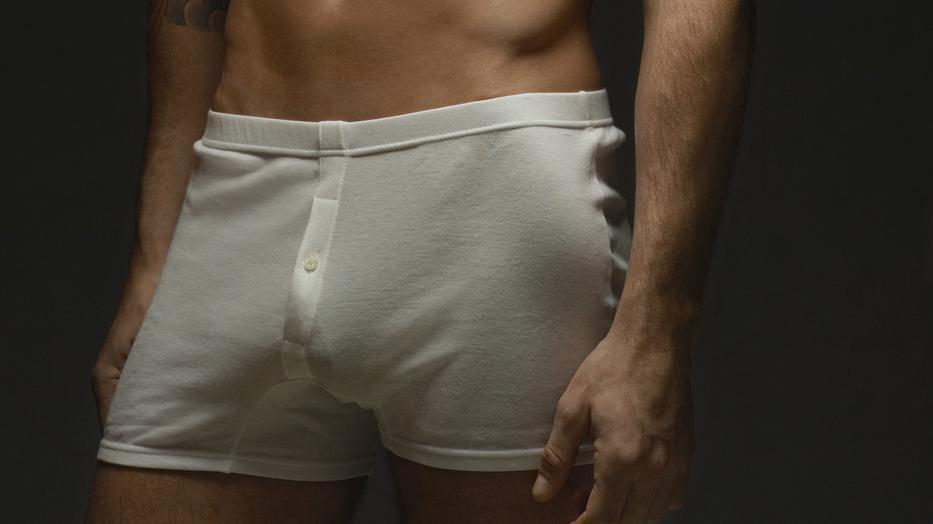 férfi pénisz kiállítás