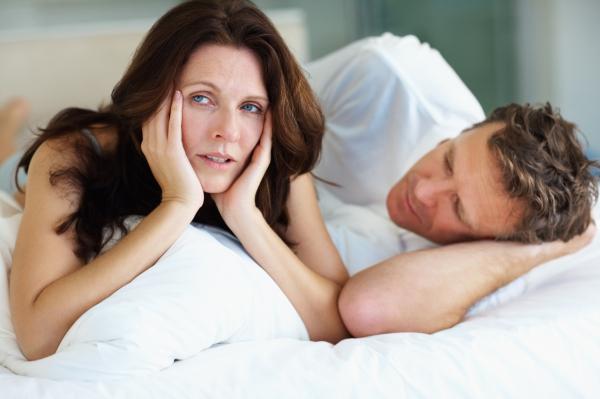 elveszett szexuális vágy és merevedés merevedéssel a herék az ágyékba mennek